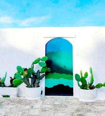 porta dipinta ad Ostuni