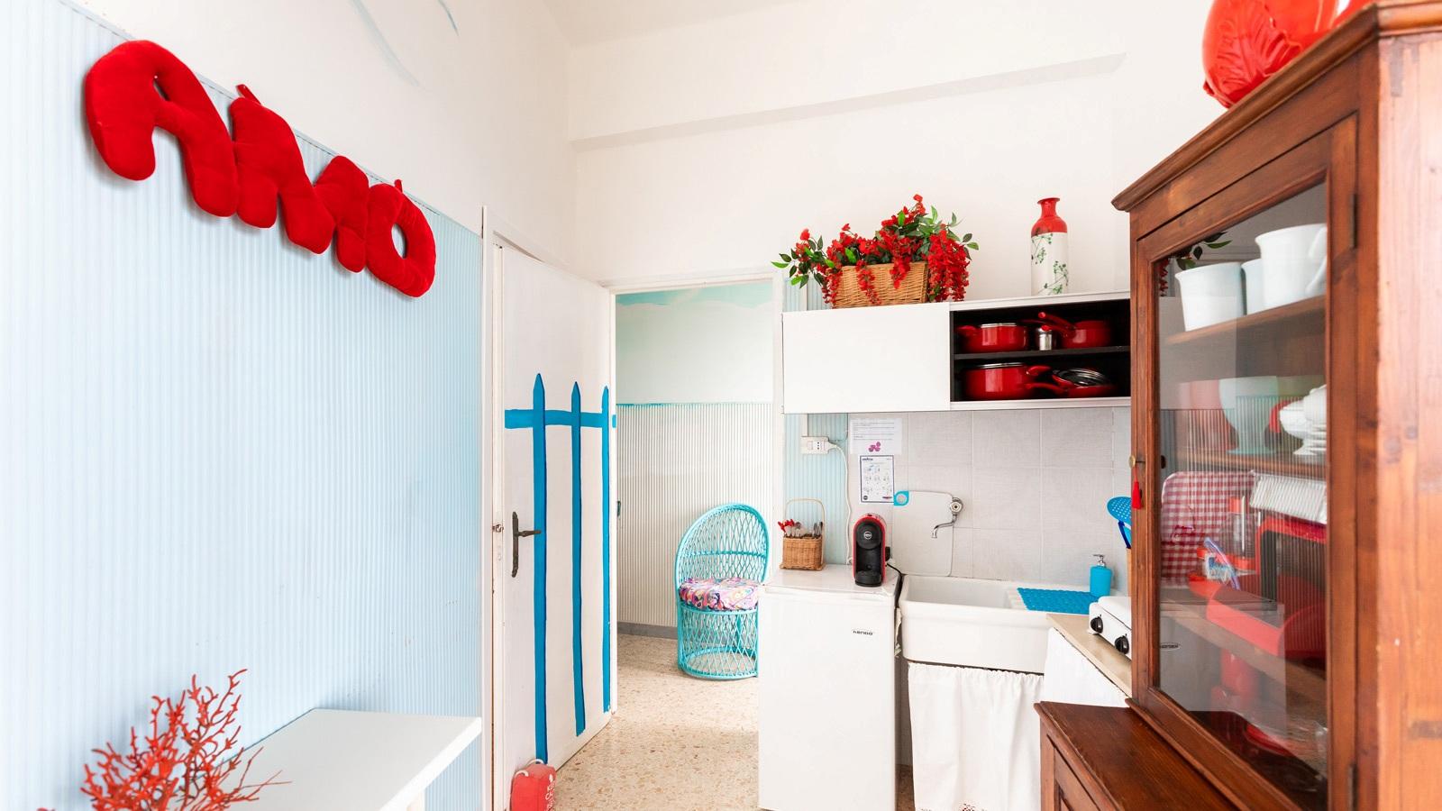 vacanze ostuni casa corallo angolo cottura