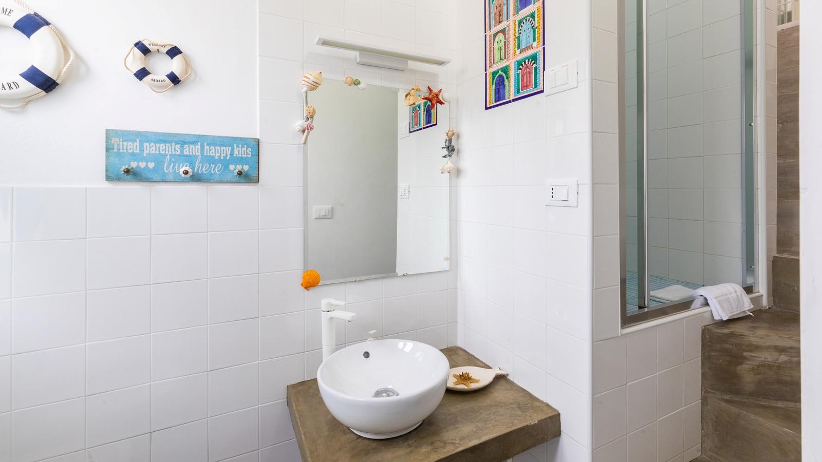 vacanze ostuni casa corallo bagno