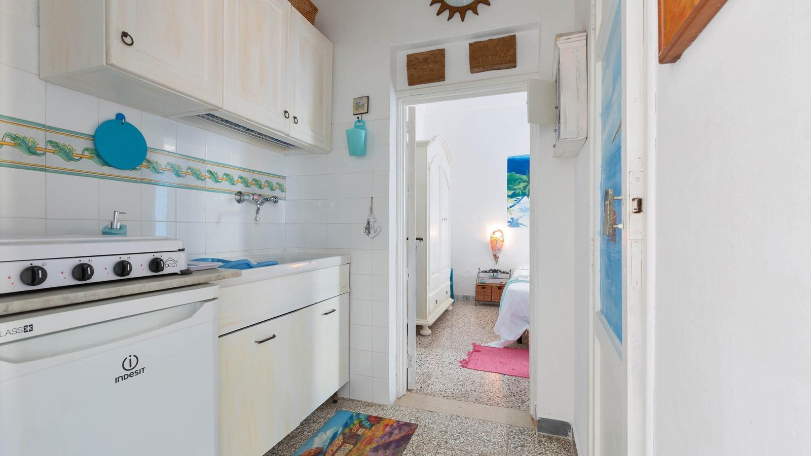 vacanze ostuni casa giovanna angolo cottura