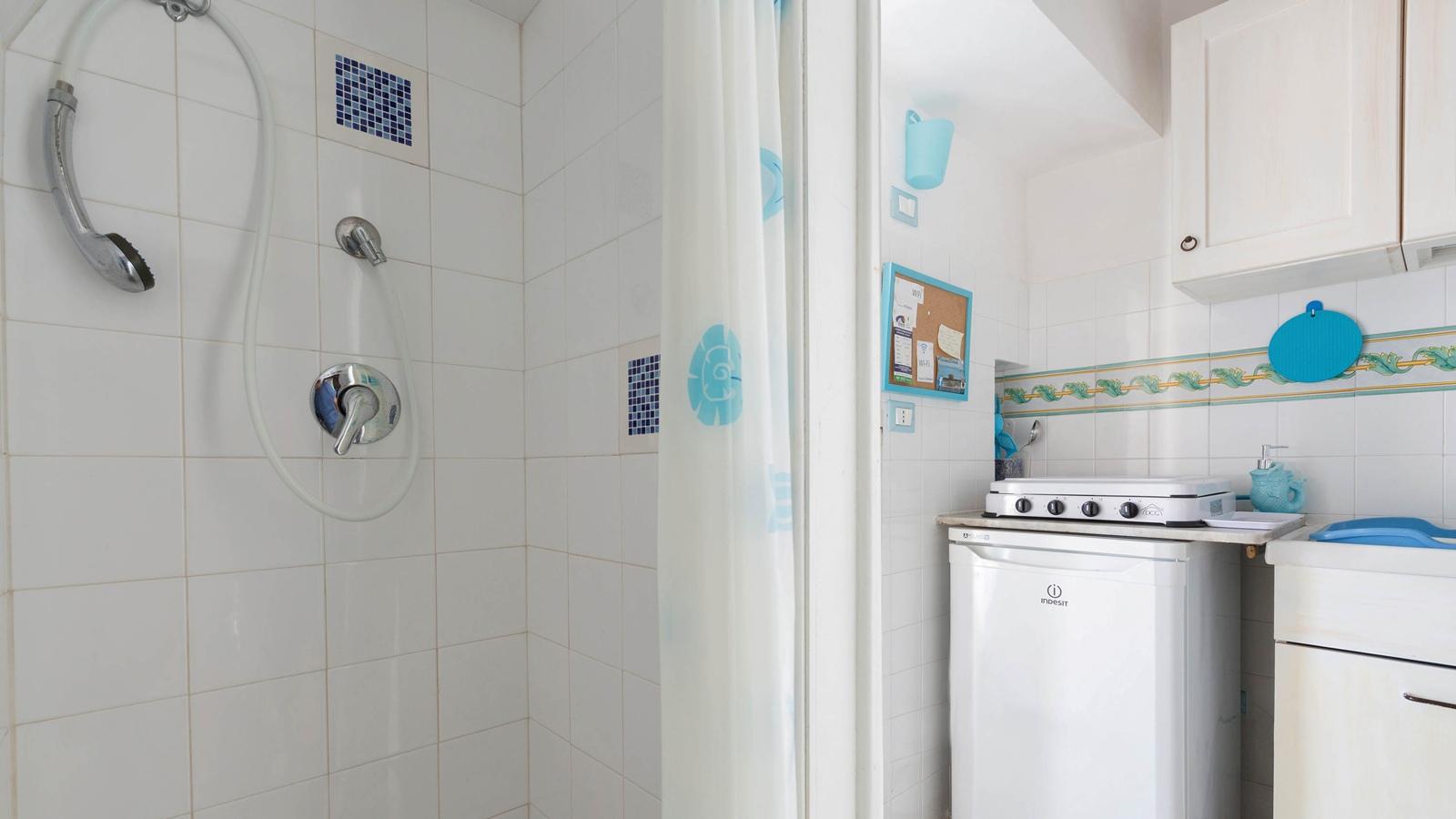 vacanze ostuni casa giovanna doccia