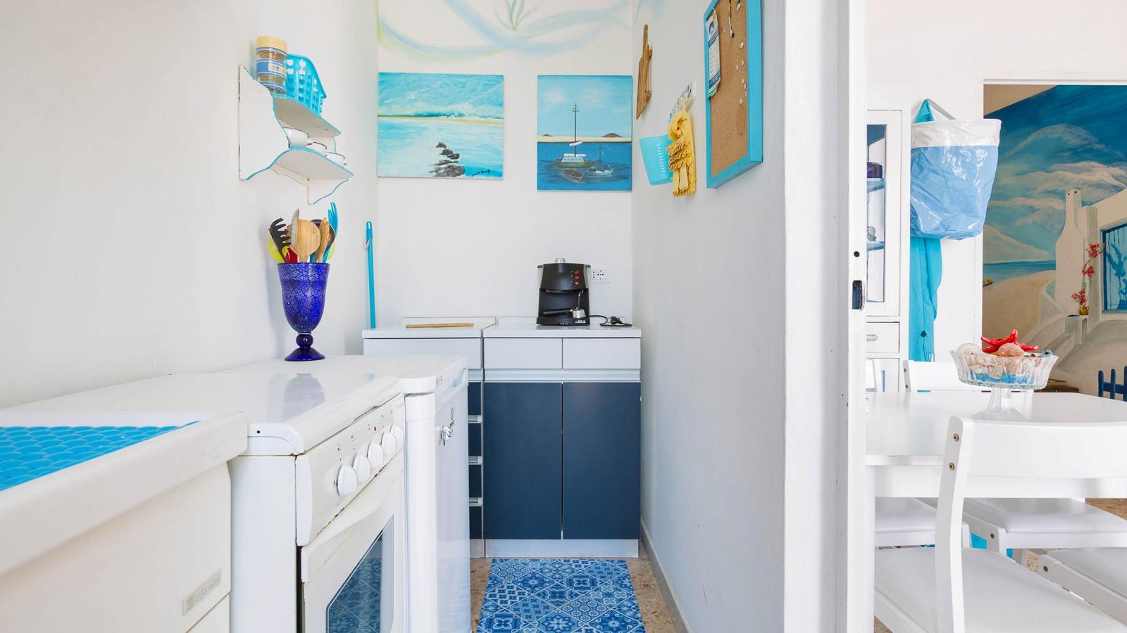 vacanze ostuni casa helios cucina