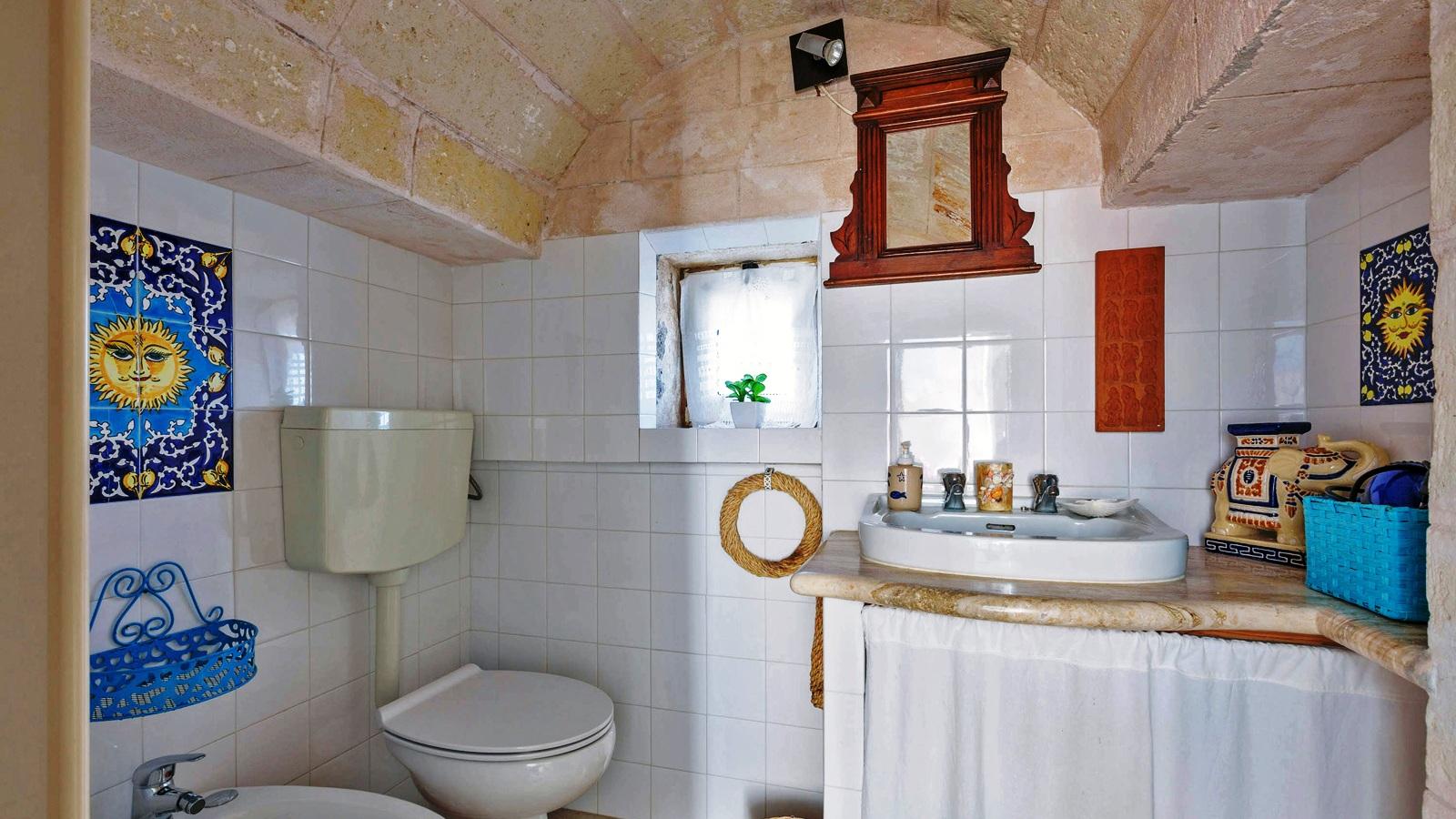 vacanze ostuni casa lorenzo bagno