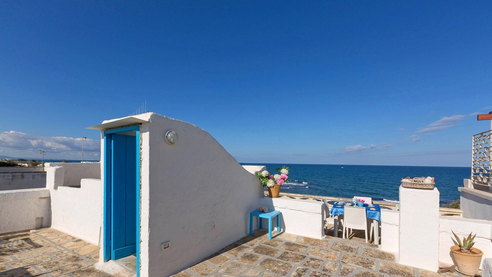 vacanze ostuni casa lorenzo tavolo terrazza