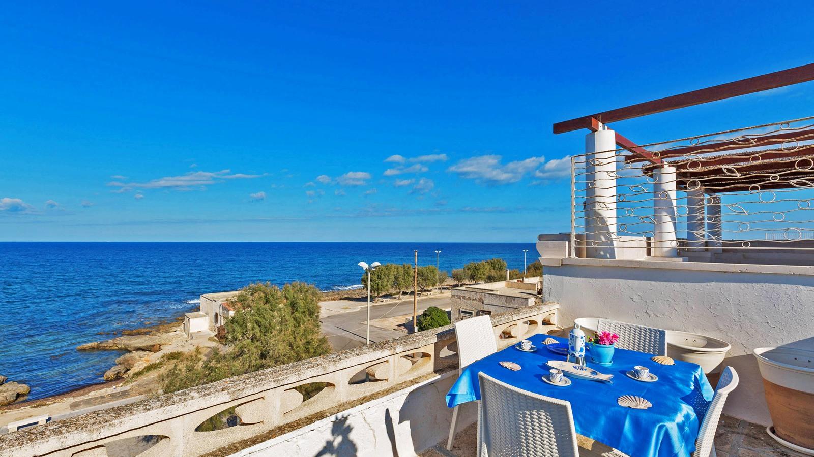 vacanze ostuni casa lorenzo vista mare