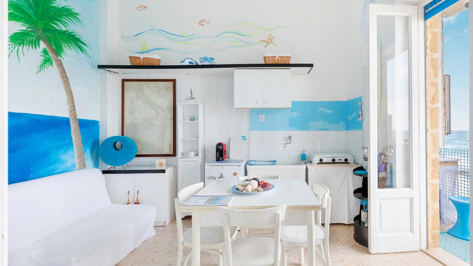 vacanze ostuni casa nettuno angolo cottura