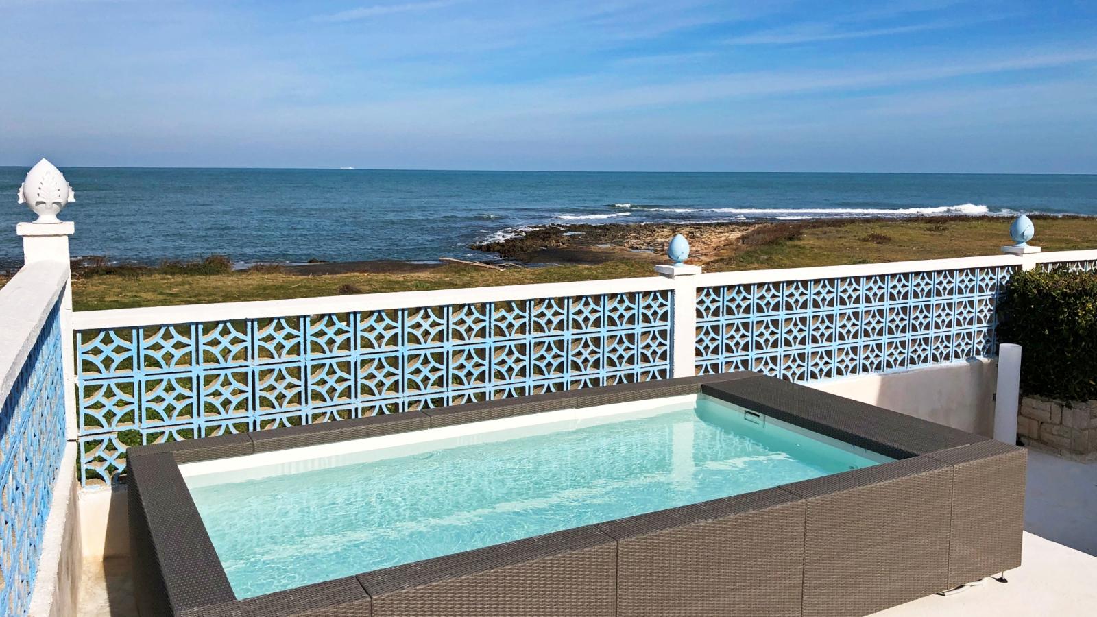 mini piscina vista mare